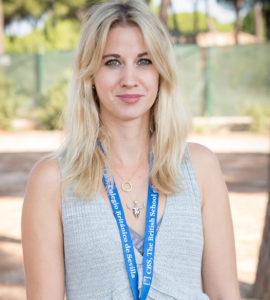 Coordinadora de KS2 & Profesora de Yr 4 Miss Alice es el primer contacto con los padres en temas de pastoral y académicos en LKS2. Miss Alice es the UKLA's Ambassador in Spain. UKLA es la asociación de literatura en el reino unido.